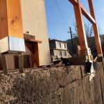 Опит да отлея бетонни стъпки на гредите.